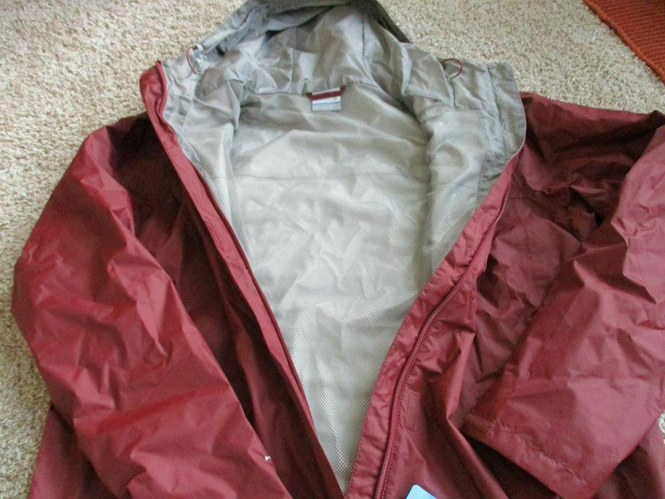 BNWT Columbia Watertight II Rain - Men's, Burgundy, Size